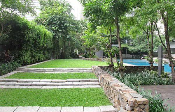 Domus-Condominium-Bangkok-garden-2